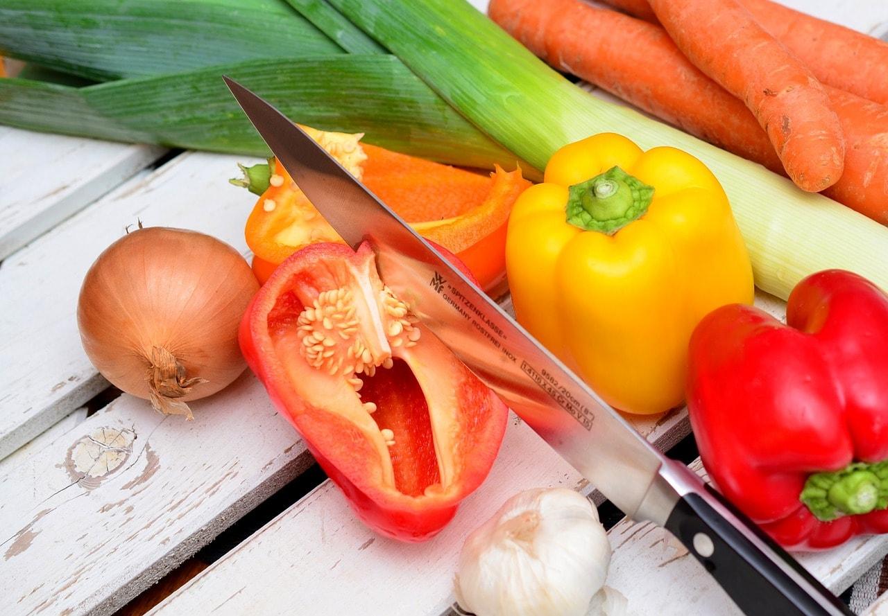 Gemüse Messer Schneiden Paprika Zwiebeln Lauch Tomaten