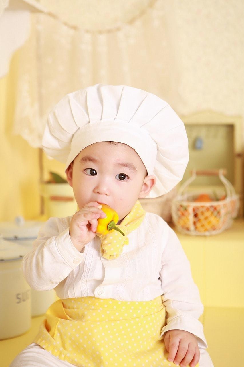Kochen Paprika Kind Kochmütze niedlich
